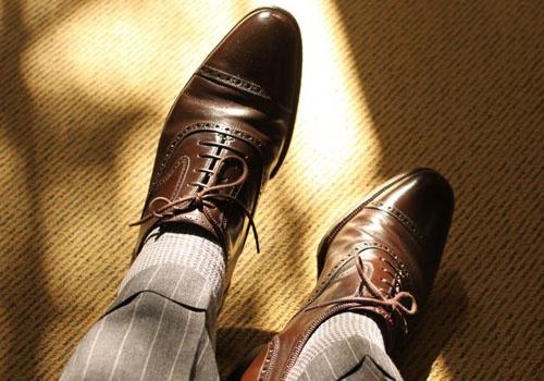 Как сочетать брюки, носки и обувь в одном луке