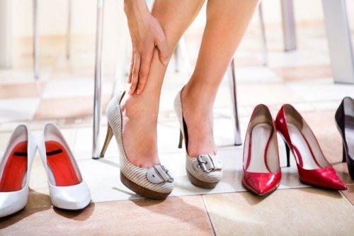 туфли на каблуке натирают