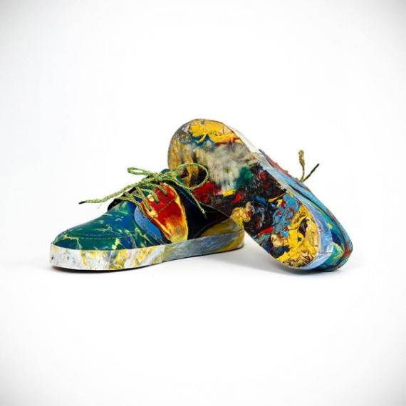 Яркая обувь из пластиковых отходов