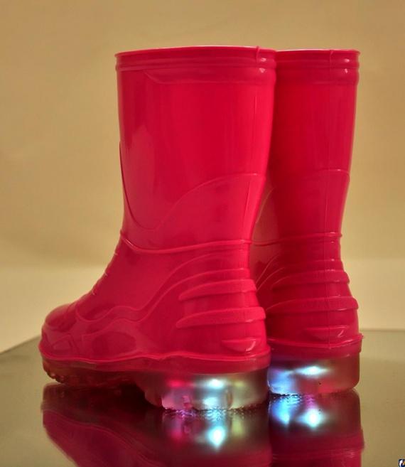 Светящаяся обувь для малышей