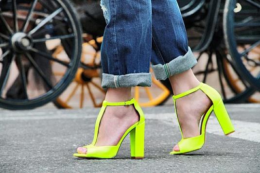 Неоновая обувь – тренд лета 2013