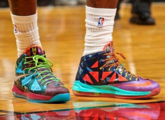 Nike LeBron X «MVP»: микс цветов и форм