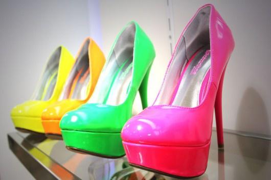 Актуальная обувь: смелей, смешней и ярче