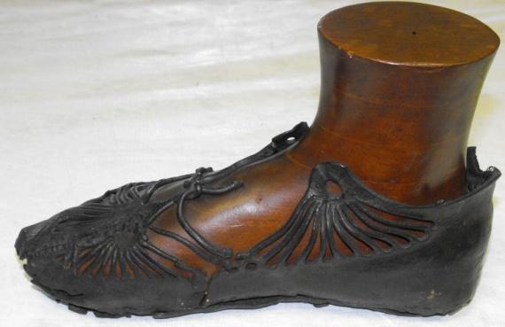 Значение обуви в различных культурах
