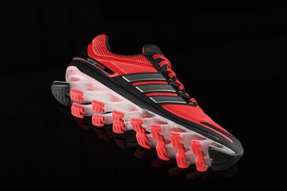 Высокотехнологичные  беговые кроссовки от Adidas