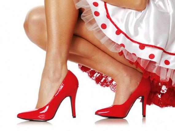 Как подбирать туфли под платье