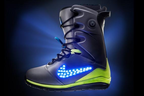 5ed15771 Nike LunarENDOR QS