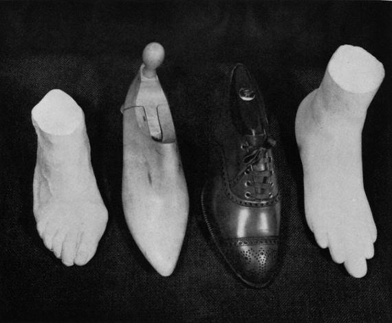 Страничка истории обуви - Бернардо Рудофски