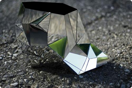 Бразильский дизайнер представил обувь-невидимку